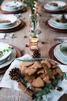 Addicted To Passion: Świąteczne dekoracje - stół Wigilijny - Miedź Christmas Tables, Christmas Time, Dom, Winter Wonderland, Santa, Table Decorations, House, Ideas, Home Decor