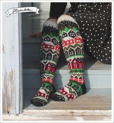 Neuleohje Heinikkilät-kirjoneulesukkiin - Handmade by Heini -verkkokauppa Fair Isle Knitting, Knitting Socks, Crochet Slippers, Knit Crochet, Baby Knitting Patterns, Crochet Patterns, Cool Socks, Awesome Socks, Knitting Accessories