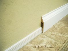 A Stroll Thru Life: Install Wide Baseboard Molding Over Existing Narrow Baseboard or paint a wider strip and top with half-round. Baseboard Styles, Baseboard Molding, Floor Molding, Moldings And Trim, Baseboard Ideas, Bathroom Baseboard, Wainscoting, Paint Baseboards, Black Baseboards
