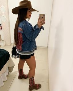 Cowgirl Style Outfits, Country Girls Outfits, Western Girl, Western Wear, Looks Style, My Style, Moda Country, Outfits For Mexico, Look Fashion