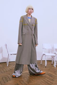 Acne Studios Pre-Fall 2016 Collection Photos - Vogue