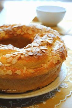 Pane, burro e alici: Ciambella lievitata alla ricotta con marmellata (di pesche) - senza grassi!