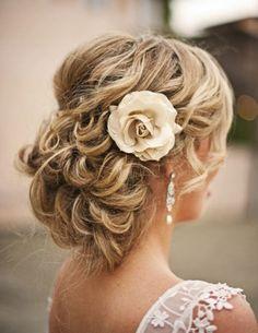 geflochtene-Haarreifen-Blüten-Stoff-haarschmuck-zum-klemmen.jpeg (600×776)