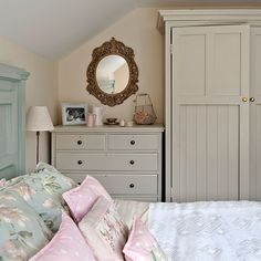 Country bedroom with painted storage | Country storage ideas | PHOTO GALLERY | Country Homes & Interiors | Housetohome.co.uk