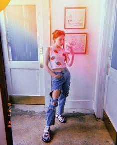 Millie Bobby Brown, Drake Instagram, Bill Cosby, Wattpad, Brown Aesthetic, Cardi B, Brown Fashion, Cool Girl, Mom Jeans
