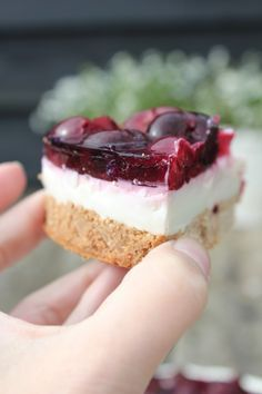 The Good Life Monchoutaart, gezonde stijl Healthy Cake, Healthy Baking, Healthy Desserts, Raw Food Recipes, Sweet Recipes, Dessert Recipes, Yummy Treats, Yummy Food, Snacks Für Party