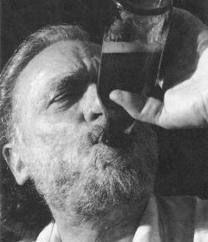 Words Of Wisdom By Charles Bukowski Charles Bukowski Frases, Henry Charles Bukowski, Kurt Vonnegut, Story Writer, Best Beer, Oscar Wilde, Poetry Quotes, Beautiful Words, Wise Words