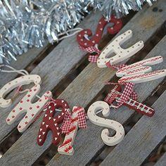 """Heaven Sends Shabby Chic - Ghirlanda natalizia di legno in stile country con scritta """"Christmas"""", colore: Bianco/Rosso Heaven Sends http://www.amazon.it/dp/B000X47VKU/ref=cm_sw_r_pi_dp_f1uxub133ZY28"""
