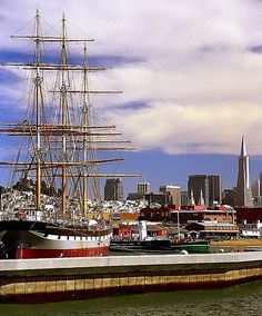 "San Francisco - Hyde Street Pier ""Balclutha Ship & Transamerica Building"" 