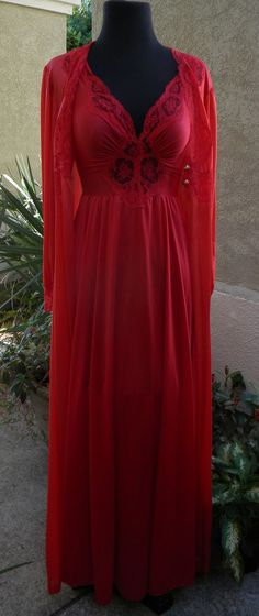 Stunning Vtg Red Peignoir Set Olga and Vanity Fair Small