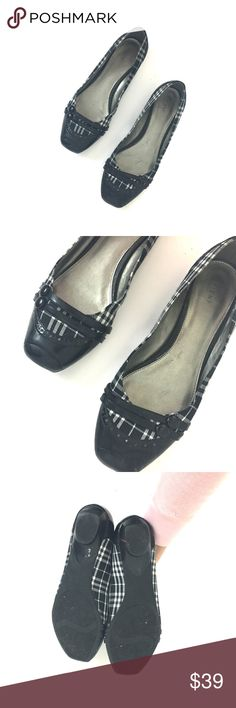 Black and white plaid square toe flats Worn once. Size 11   •no trades•no offsite transactions•no low balls•offers considered through the offer feature only!•save when you bundle• FIONI Clothing Shoes Flats & Loafers