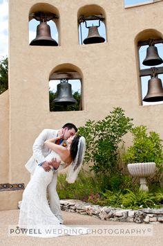 Chapel Dulcinea, Driftwood TX 110611-wedding-photography-Austin-Chapel-Dulcinea-couple-dip-kissing