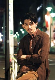 Smoke Pictures, J Crew Men, Asian Men, Character Inspiration, How To Look Better, Handsome, Singer, Photoshoot, Actresses