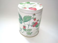 Strawberry Design Louise Carling tin