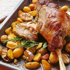 Classic leg of lamb - Fleisch - Greek Recipes Radish Recipes, Lamb Recipes, Greek Recipes, Lunch Recipes, Meat Recipes, Healthy Dinner Recipes, Food Processor Recipes, Easter Recipes, Comida Armenia