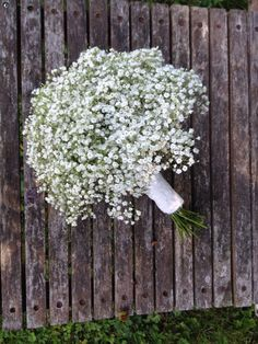 Gypsophila bridesmaids bouquet. #ammiflowers #weddingflowers #gypsophila #babysbreath