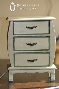 """Small chest of drawers """"before"""""""
