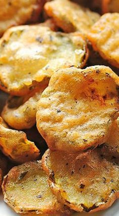 With a bit of spice and crunch these Fried Pickles are totally satisfying. Serve them at your next party and watch them disappear! Appetizer Recipes, Snack Recipes, Appetizers, Cooking Recipes, Protein Recipes, Vegan Snacks, Potato Recipes, Cooking Tips, Cake Recipes