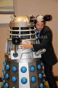Whenever I find pictures like these it's like my heart breaks because MISHA COLLINS LOVES DOCTOR WHO AND HE ISN'T IN IT AND HE SHOULD BE.    I don't know where to put this.