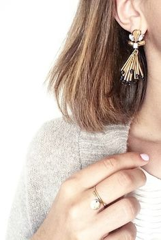 Golden Neutral Toned Statement Earrings 15,90 € #happinessbtq