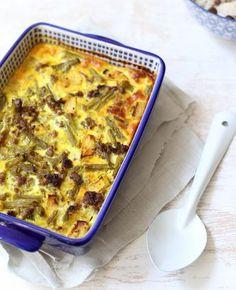 Vandaag deelt Sofie een recept voor Bobotie, een gerecht uit de Zuid-Afrikaanse keuken. Een gerecht met onder andere rijst, gehakt en diverse specerijen. Heb jij het al een keer gemaakt? Boboti Dit heb je nodig Voor 4 personen 400 gr sperziebonen…