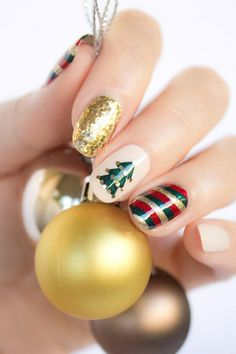 Christmas Holiday Nail Designs.. http://wp.me/p2tDQE-1oK ..The best DIY Christmas Holiday nail art designs and ideas. We have cool, cute, and simple nail art design tutorials ... #DiyNailDesigns #Christmas #Holiday #NailsDesigns