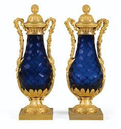 Paire de vases en verre bleu taillé et montures de bronze doré<br>d'époque Louis XVI, vers 1780 | Lot | Sotheby's