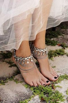 YAHPERN Anklets for Women Girls Color Beads Turquoise Drop Sequin Charm Adjustable Ankle Bracelets Set Boho Multilayer Beach Foot Jewelry (Gold) – Fine Jewelry & Collectibles Converse Wedding Shoes, Beach Wedding Shoes, Beach Shoes, Bridal Shoes, Bridal Jewelry, Barefoot Sandals Wedding, Barefoot Shoes, Beach Weddings, Bridal Accessories
