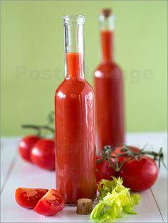 Edith Albuschat - Tomatensaft in Flaschen