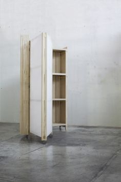 Closet Space by Studio // Rene Siebum www.studiorenesiebum.nl info@renesiebum.nl