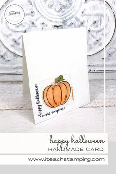These super simple but super sweet DIY Halloween cards are very easy to make, come together very quickly and you can make a whole batch in no time. Come learn what little tips I share that makes these cards so adorable! Halloween Cards, Halloween Diy, Happy Halloween, Pumpkin Uses, Pumpkin Cards, Alcohol Markers, Glue Dots, Free Paper, Diy Craft Projects