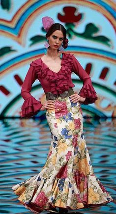 Flamenca Flamenca Indian Gowns Dresses, Mexican Dresses, Dance Dresses, Boho Fashion, Fashion Show, Fashion Outfits, Classy Outfits, Beautiful Outfits, Flamenco Costume