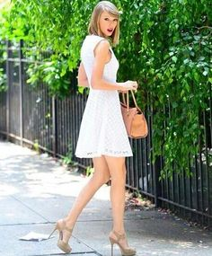 Taylor in NY today 6/13/14. So glad the candid in NY are back!