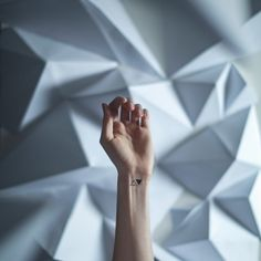 Minimalist And Beautiful Tattoos With Corresponding Backgrounds
