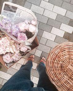 いいね!2,441件、コメント5件 ― NATSU.さん(@lovebynatsu)のInstagramアカウント: 「Help me I can't stop buying spring flowers 春はお花がかわいくて 買いすぎちゃう傾向にある… 春というより、もう初夏だね♡」