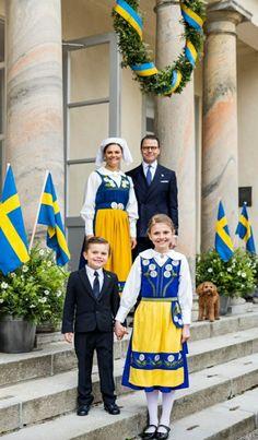 Princess Victoria Of Sweden, Crown Princess Victoria, Costume Marin, Happy National Day, Prince Héritier, Swedish Royalty, Casa Real, Royal Court, Royal Fashion