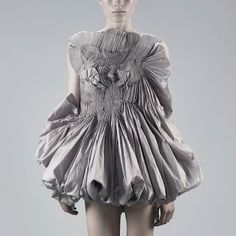 Capitol Couture Bunching and ruffles and ruching galore! This novel style explodes with lines careening into a directional cacophony. Pay attention, these looks will be everywhere this summer! Audrey Tautou, 3d Fashion, Fashion Details, High Fashion, Womens Fashion, Fashion Design, Cannes Film Festival, Yiqing Yin, Capitol Couture