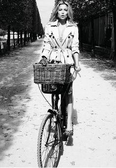 Basil basket and Sylvie van der Vaart (in Paris): very stylish