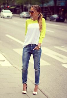 Baseball tee & boyfriend jean, love this casual look! Women's street style spring fashion clothing outfit