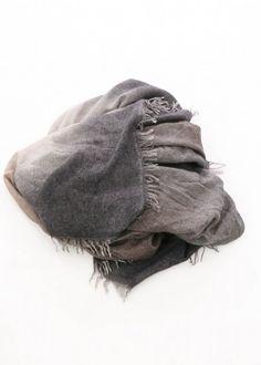 Wollschal Kia von Faliero Sarti neu eingetroffen bei nobananas mode #newcollection #fw16 #schal #scarf #falierosarti #nobananasmode nobananas.de