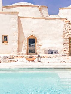The outstanding white of the country house in Ostuni makes a stunning contrast with the green shade of the pool Italy Fashion, Bohemian Interior, Summer Beauty, Shades Of Green, Aesthetic Pictures, Travelling, Villa, Relax, Places