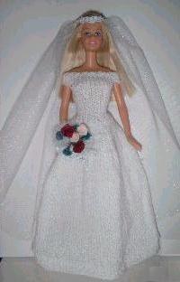46 Ideas Bridal Robe Pattern Fashion Dolls For 2019 Barbie Crochet Gown, Barbie Gowns, Crochet Barbie Clothes, Baby Doll Clothes, Barbie Dress, Barbie Doll, Barbie Costumes, Ken Doll, Doll Dresses