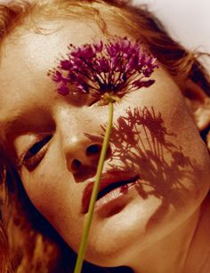 Eden by Rhys Frampton for DSCENE Magazine Issue Zarina Green takes the beauty pages of DSCENE Magazine's Summer Pre-Fall 2019 edition. Creative Portrait Photography, Face Photography, Floral Photography, Fashion Photography, Nature Verte, Beauty Shoot, Beauty Art, Montage Photo, Art Plastique