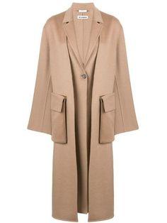 Beige cashmere and cotton blend cargo pocket coat from Jil Sander. Beige Coat, Suede Coat, Fur Trim Coat, Wool Overcoat, Leopard Print Coat, Classic Trench Coat, Tailored Coat, Cashmere Coat, Printed Denim