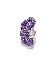 Palmiero winged flower ring in 18-karat white gold with diamonds, sapphires, tourmalines and amethysts.