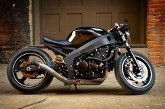 April 2011 Fighter of the Month Winner - Rohr's Kawasaki Ninja ZX6R | Custom Fighters