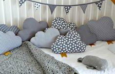 Kinderzimmer Deko selber machen wolken kissen