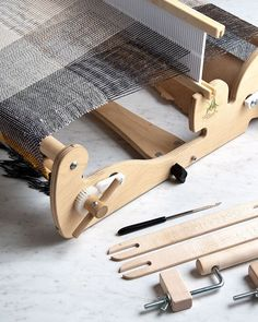 Our free Field Scarf pattern uses Schacht Spindle Co's amazing little table-top Cricket Loom. It includes all the instructions you need to start weaving! Check it out by following our profile link! #purlsoho #purlsohobusyhands #purlsohofieldscarf #weaversofinstagram #handmade #weaving  #purlsoholinenquill