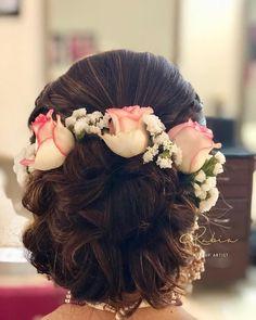 Indian Bridal Hairdo Wedding Hairs 62 Ideas For 2019 Bridal Hairstyle Indian Wedding, Bridal Hair Buns, Bridal Hairdo, Hairdo Wedding, Indian Bridal Hairstyles, Simple Wedding Hairstyles, Bride Hairstyles, Updo Hairstyle, Hairstyle Ideas