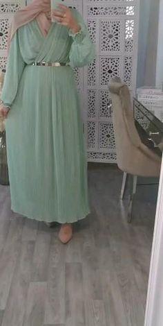 Arab Fashion, Islamic Fashion, Muslim Fashion, Hijab Evening Dress, Hijab Dress Party, Mode Abaya, Mode Hijab, Modern Islamic Clothing, Trendy Dresses